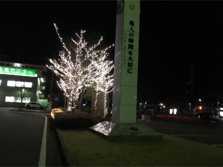 夜の貴生川駅北口