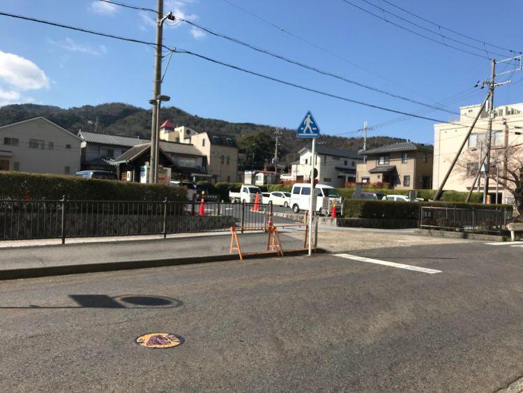 滋賀県庁駐車場