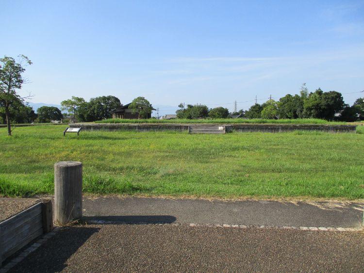 近江国庁跡東側