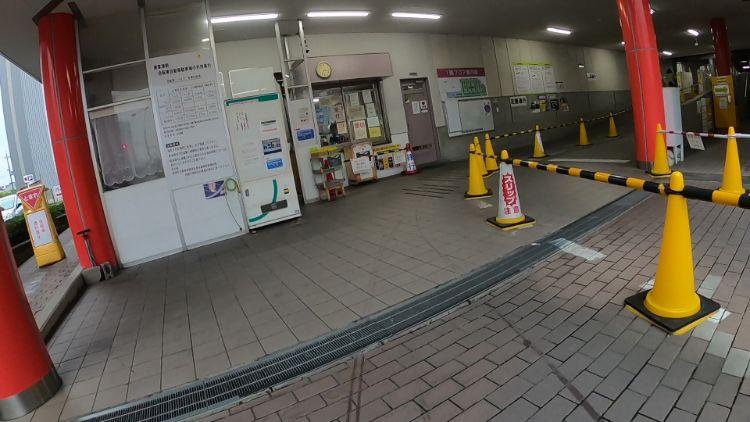 南草津駅東口駐輪場入り口