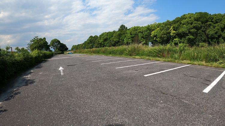湖岸緑地帰帆島駐車場