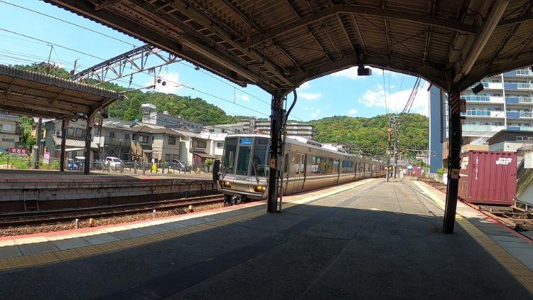 大津駅の電車