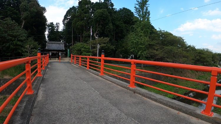 菌神社参道橋